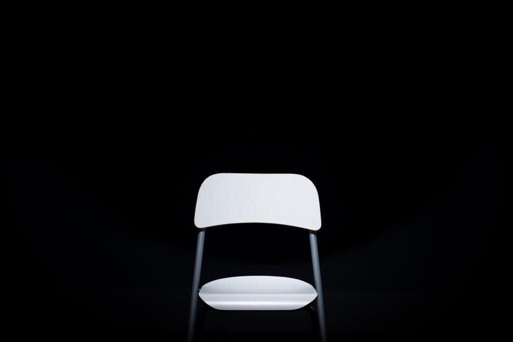 Single chair, Hitting the chair